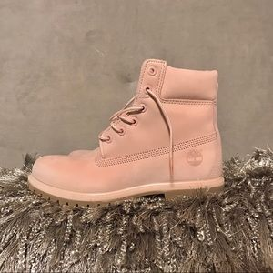 Baby Pink size 9 Timberlands